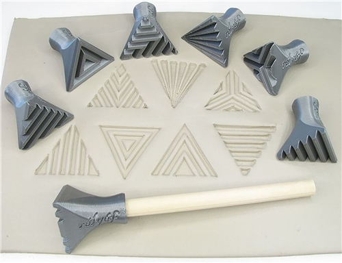 Relyef Pottery Tools Set of Isosceles Triangle Stamps 30mm  - Click to view larger image